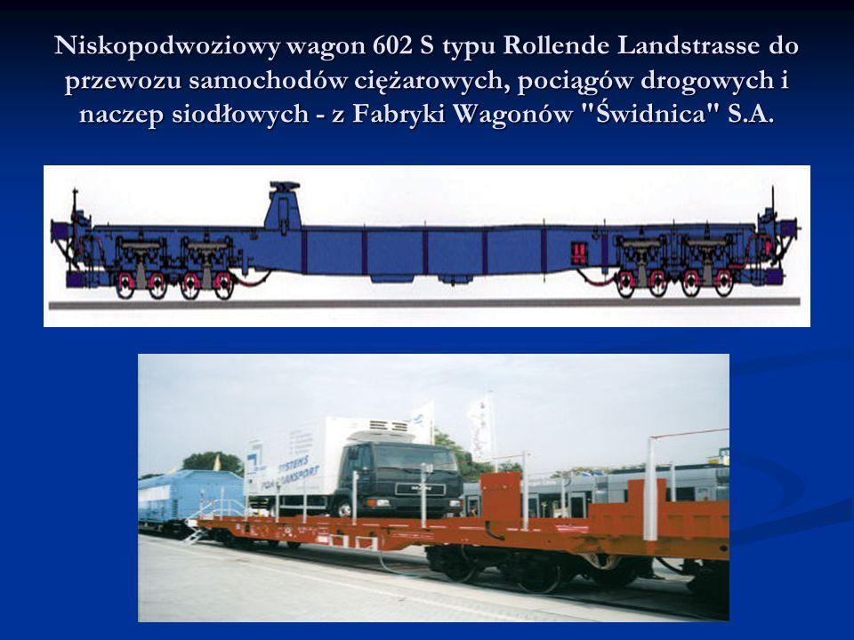 Niskopodwoziowy wagon 602 S typu Rollende Landstrasse do przewozu samochodów ciężarowych, pociągów drogowych i naczep siodłowych - z Fabryki Wagonów