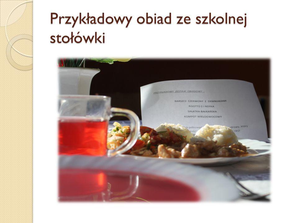 I danie – barszcz czerwony z ziemniakami  buraki mają dużo kwasu foliowego, witaminy C (więcej jej zawiera kwas buraczany, witaminy B1.