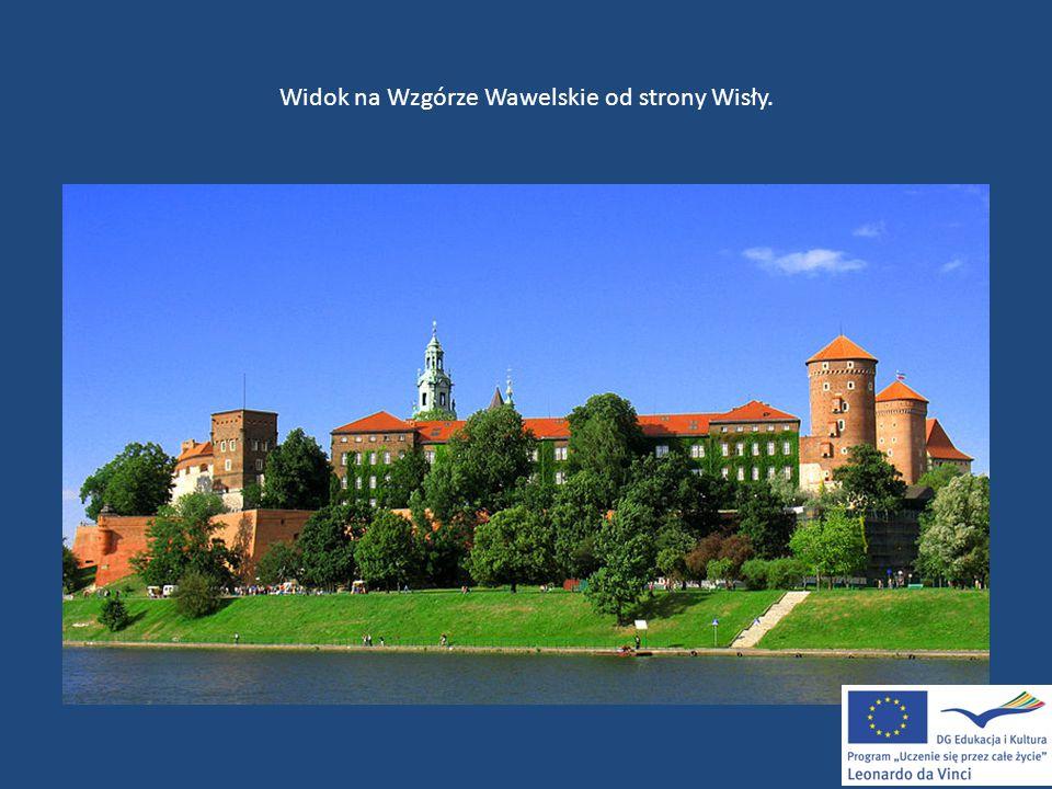 Widok na Wzgórze Wawelskie od strony Wisły.