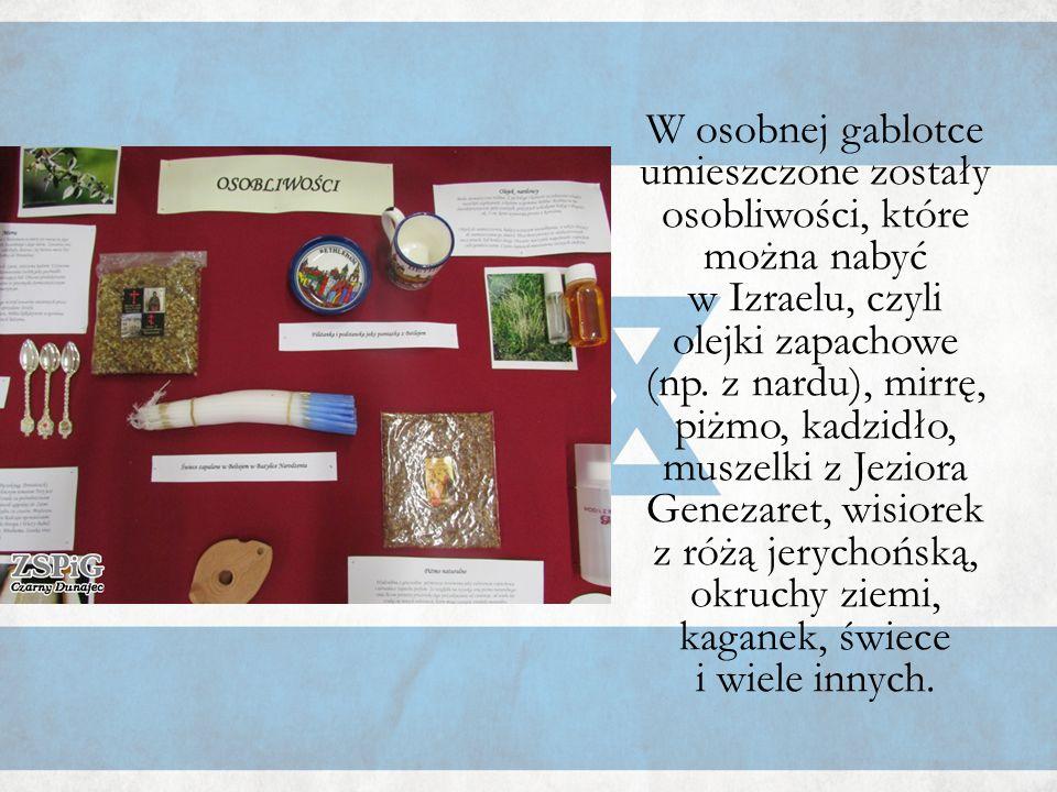 W osobnej gablotce umieszczone zostały osobliwości, które można nabyć w Izraelu, czyli olejki zapachowe (np. z nardu), mirrę, piżmo, kadzidło, muszelk