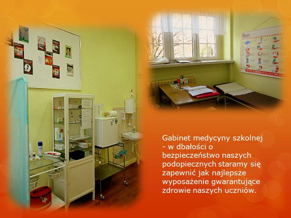Gabinet medycyny szkolnej - w dbałości o bezpieczeństwo naszych podopiecznych staramy się zapewnić jak najlepsze wyposażenie gwarantujące zdrowie nasz