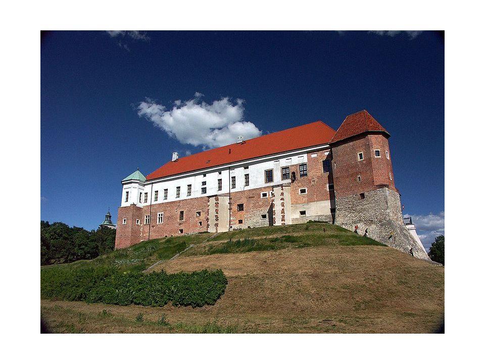Królowa Jadwiga była córką Ludwika Węgierskiego. Ze wszystkich miast najbardziej lubiła przyjeżdżać do Sandomierza. Umiłowała sobie stary gród sandomi