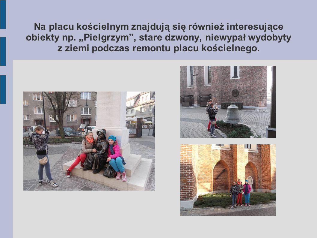 Owal Starówki zamyka ul.