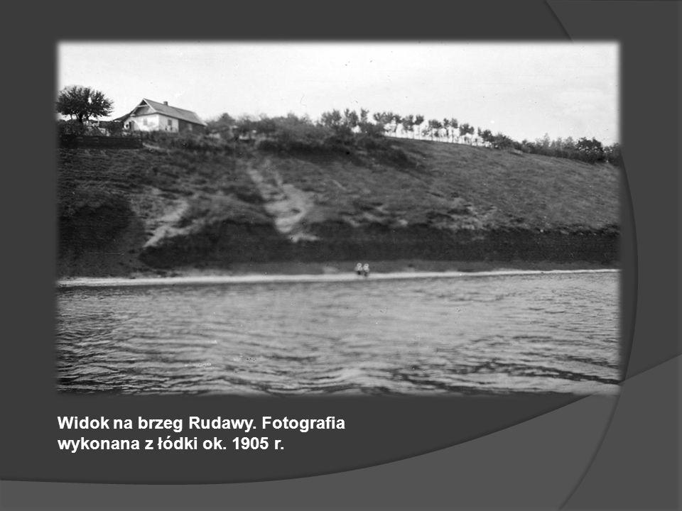 Wycieczka łódką po Rudawie. Druga osoba z lewej to Jan Sas Zubrzycki. Ok. 1905 r.