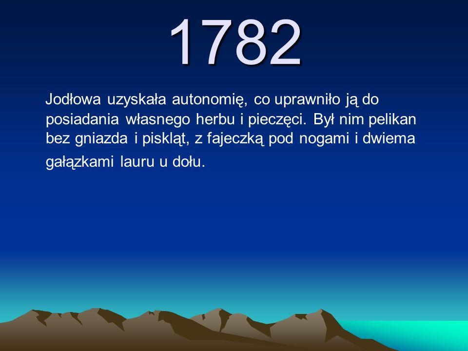 1782 Jodłowa uzyskała autonomię, co uprawniło ją do posiadania własnego herbu i pieczęci. Był nim pelikan bez gniazda i piskląt, z fajeczką pod nogami