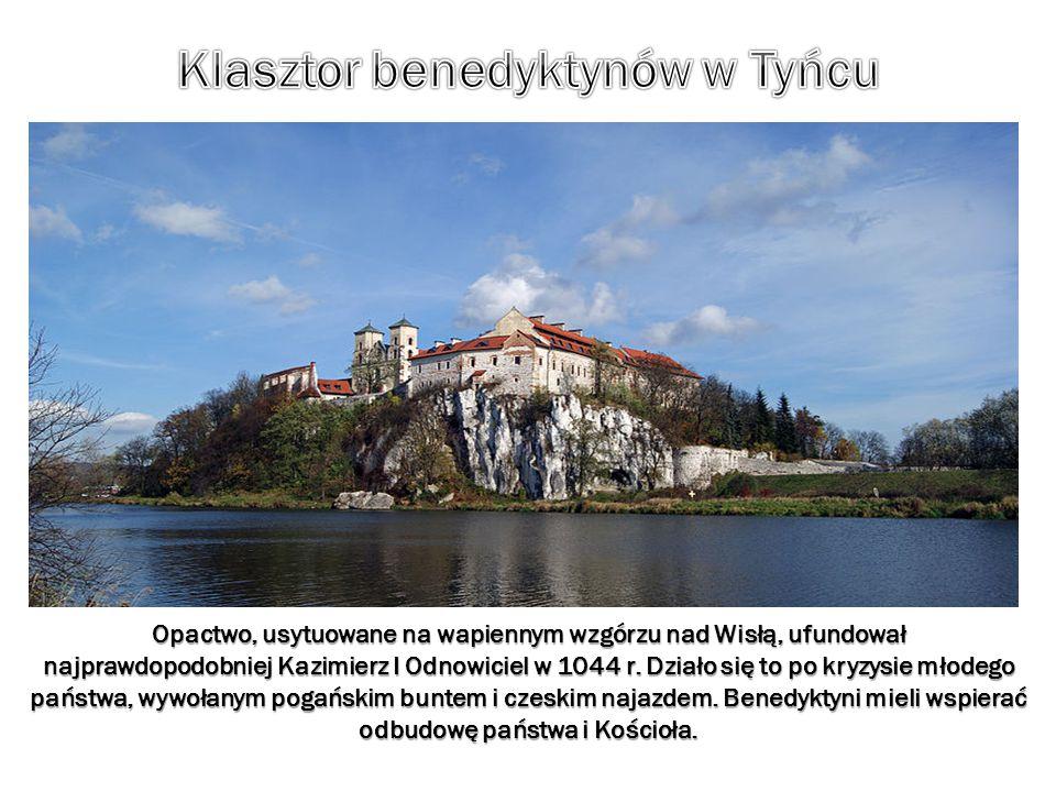 Opactwo, usytuowane na wapiennym wzgórzu nad Wisłą, ufundował najprawdopodobniej Kazimierz I Odnowiciel w 1044 r. Działo się to po kryzysie młodego pa