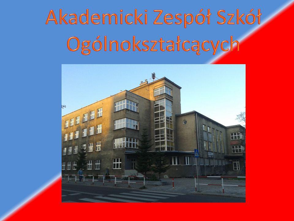 Wybudowany w latach 1909-1911 w stylu neobarokowym według projektu Dominika Dreschera.