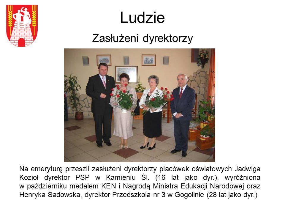 Ludzie Zasłużeni dyrektorzy Na emeryturę przeszli zasłużeni dyrektorzy placówek oświatowych Jadwiga Kozioł dyrektor PSP w Kamieniu Śl. (16 lat jako dy