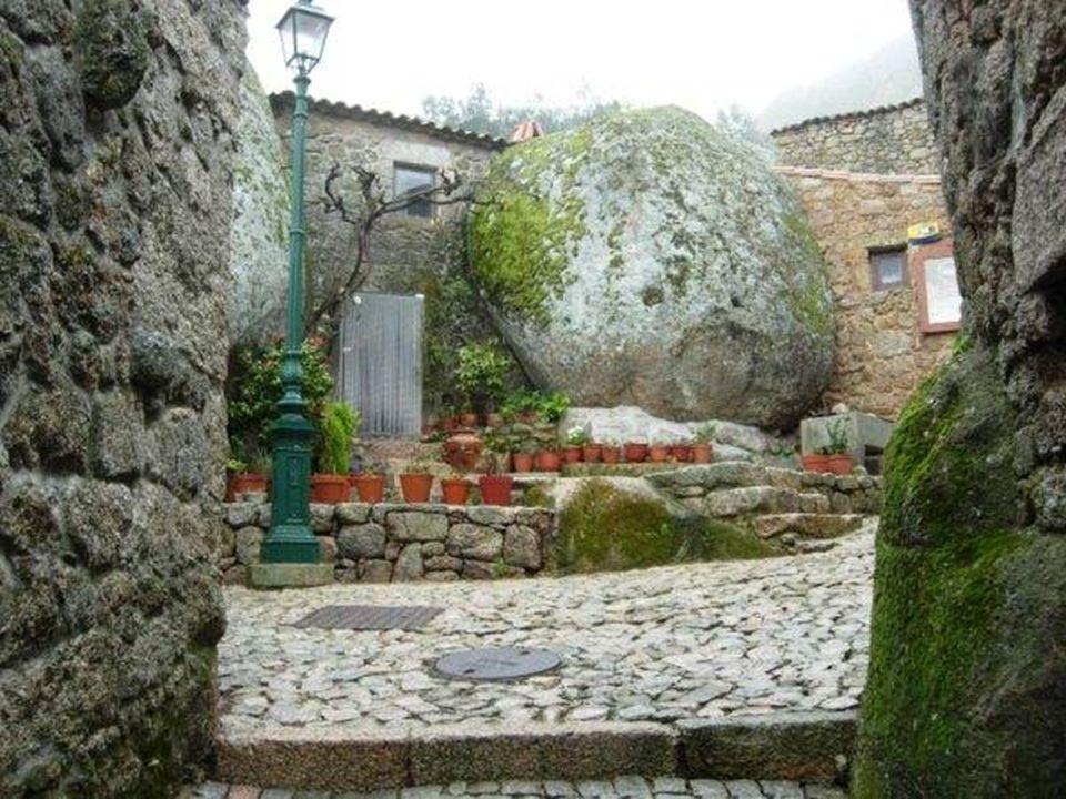 Monsanto to historyczna wieś w Portugalii.