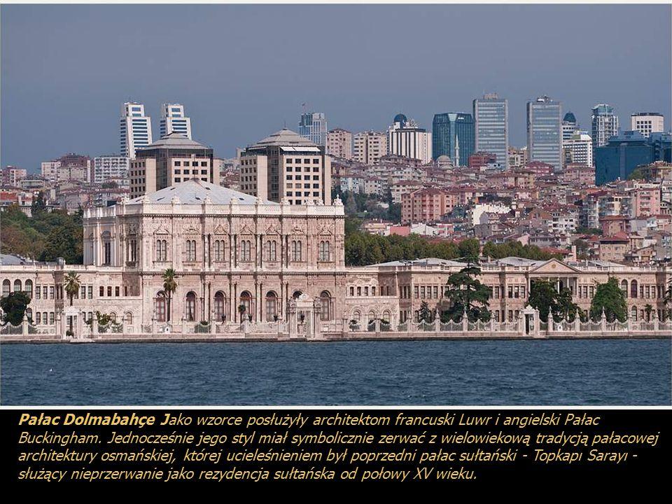 Pałac ten był pierwszym pałacem w Stambule zbudowanym w stylu europejskim przez sułtana Abdulmecida I pomiędzy 1842 a 1853 rokiem. Służył jako centrum