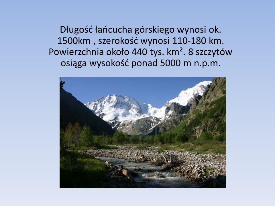 Długość łańcucha górskiego wynosi ok.1500km, szerokość wynosi 110-180 km.