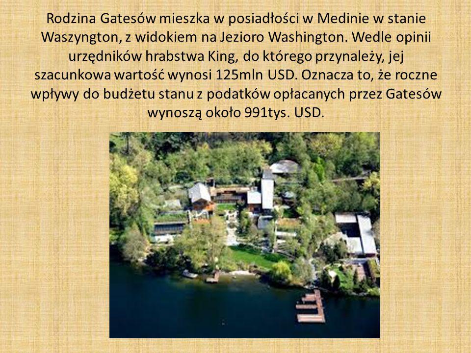 Rodzina Gatesów mieszka w posiadłości w Medinie w stanie Waszyngton, z widokiem na Jezioro Washington.