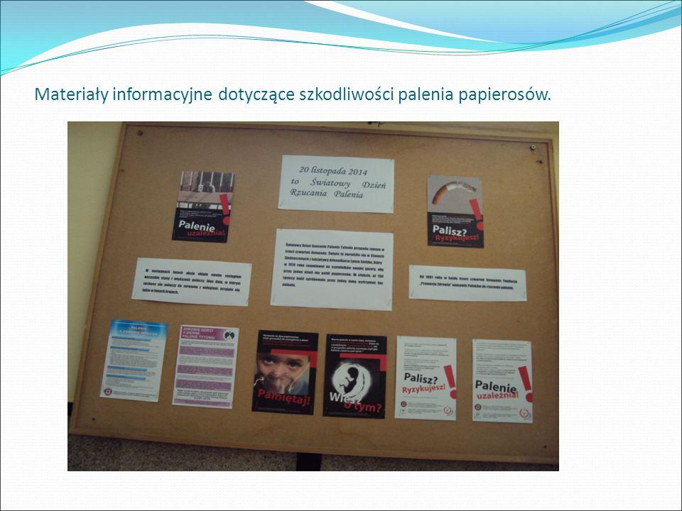 Materiały informacyjne dotyczące szkodliwości palenia papierosów.