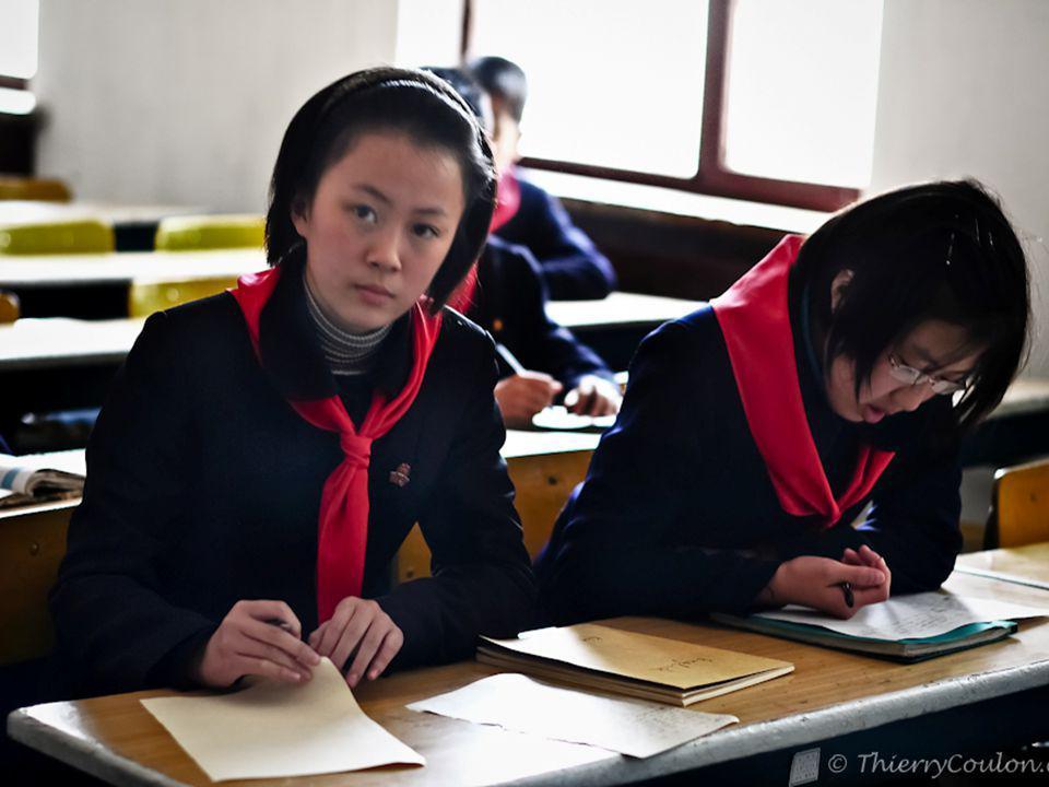 Edukacja w Korei Północnej Szkolnictwo wyższe: Wykształcenie wyższe nie jest obowiązkowe w Korei Północnej. składa się z dwóch systemów składa się z d