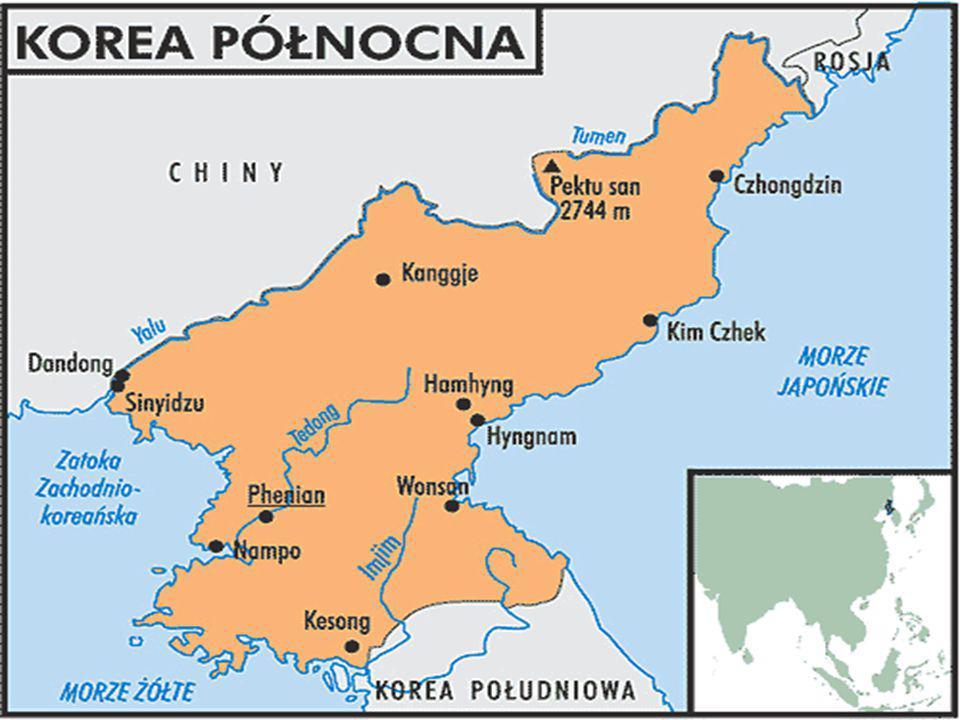 Położenie Położona jest w Azji Wschodniej w północnej części Półwyspu Koreańskiego. Graniczy z trzema krajami: od strony północnej z Chińską Republiką