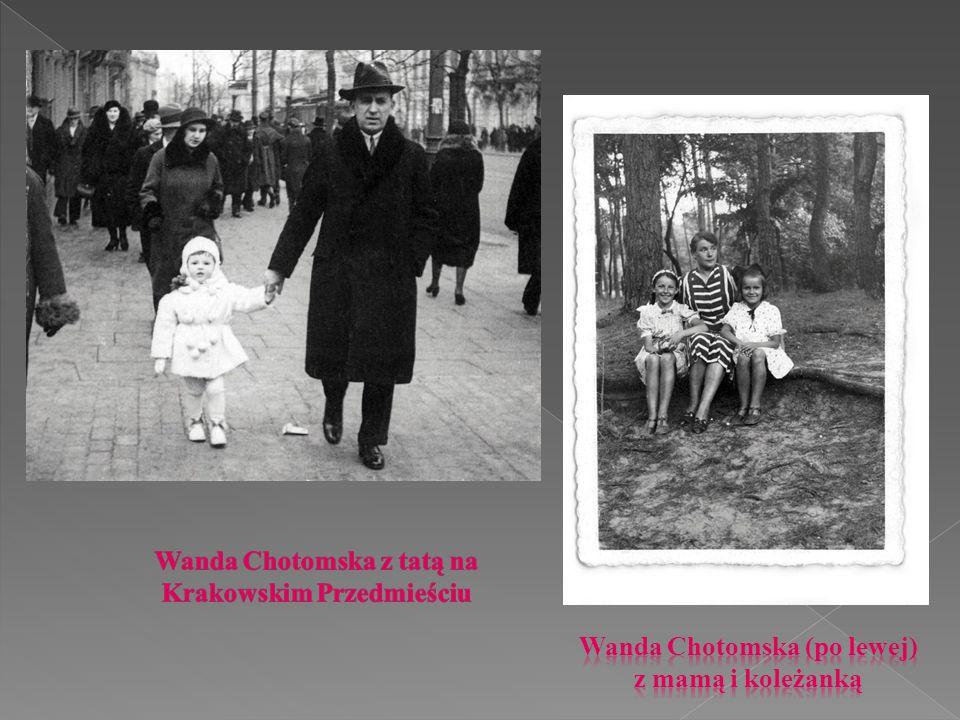 """Debiut pisarki datuje się na rok 1949, kiedy to publikowała swoje pierwsze teksty na łamach czasopisma """"Świat młodych ."""
