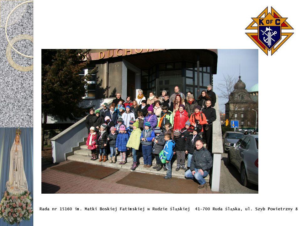 Kolejnym miejscem, które odwiedziły dzieci była siedziba Radia eM. Tam przybyłych przywitał redaktor naczelny – ks. Michał Anderko. Przedstawił on dzi