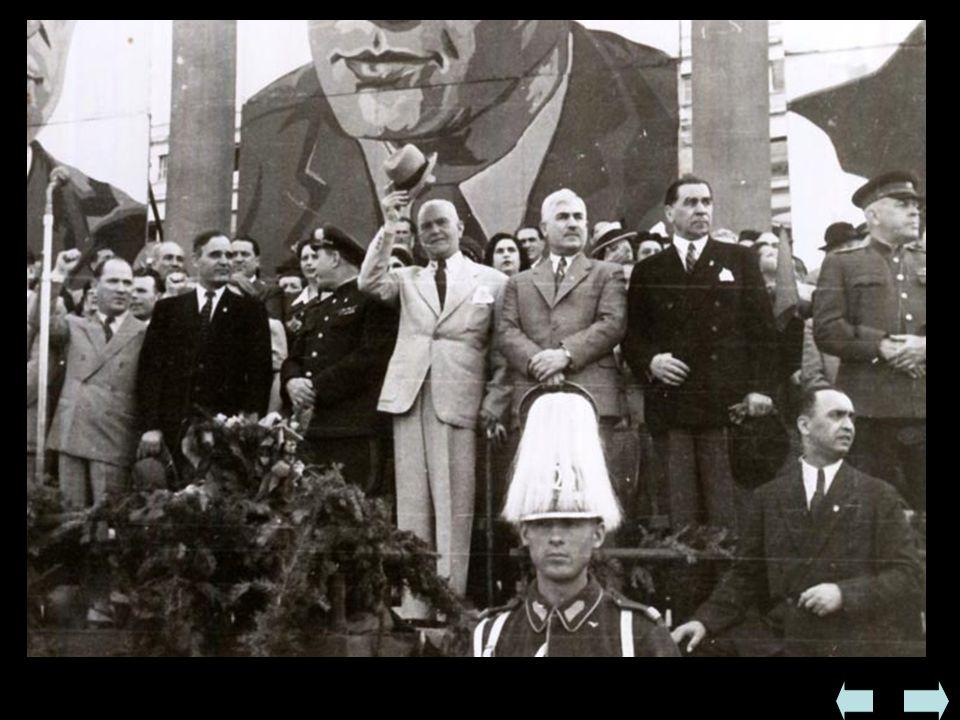  Rumunia  W czasie wojny była po stronie państw faszystowskich do VIII 1944  W 1944 wkroczyła Armia Czerwona, która traktowała państwo jak kraj pod