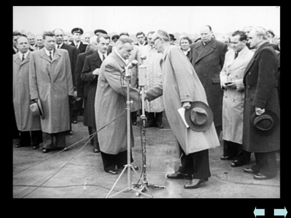 - początek terroru - do opozycji przeszli socjaldemokraci i Bułgarski Ludowy Związek Chłopski  Fałszowanie wyborów w 1945 - premierem został przywódc