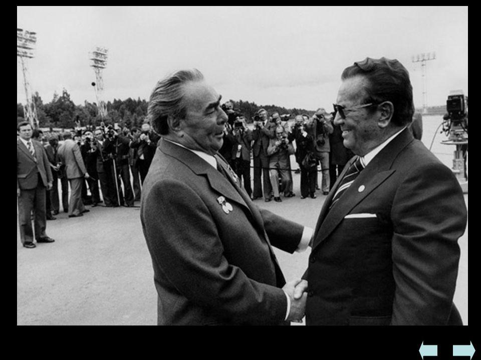 Jugosławia  W czasie wojny prężnie działała komunistyczna partyzantka pod dowództwem Josipa Broz Tito - w 1944 wyzwoliła znaczną część państwa  W cz