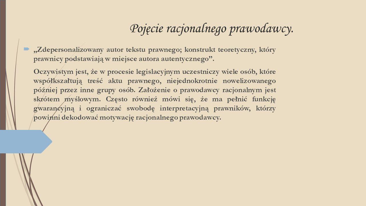  System common law a system kontynentalny  System common law inaczej anglosaski model zachodniej kultury prawnej – charakteryzuje się powszechnym uznawaniem za źródło prawa precedensu.