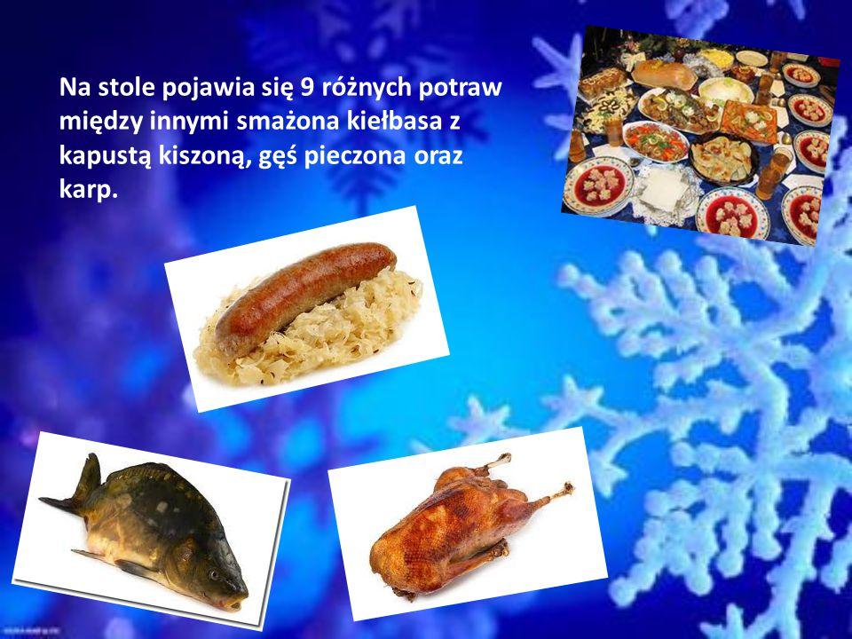 W Boże Narodzenie piecze się makowce, ciasteczka imbirowe, pierniczki oraz struclę tzw. Weihnachtsstollen. Jest to rodzaj ciasta drożdżowego z dużą il