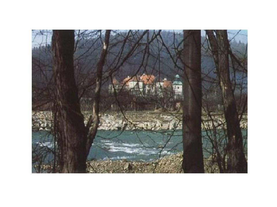 Położenie geograficzne Suchej Beskidzkiej Gmina Sucha Beskidzka położona jest w południowo – zachodniej części województwa małopolskiego w Powiecie Suskim.