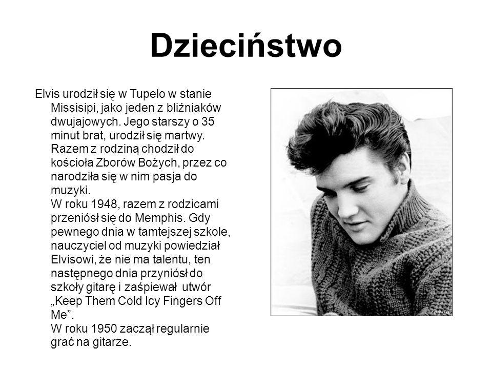 Dzieciństwo Elvis urodził się w Tupelo w stanie Missisipi, jako jeden z bliźniaków dwujajowych. Jego starszy o 35 minut brat, urodził się martwy. Raze