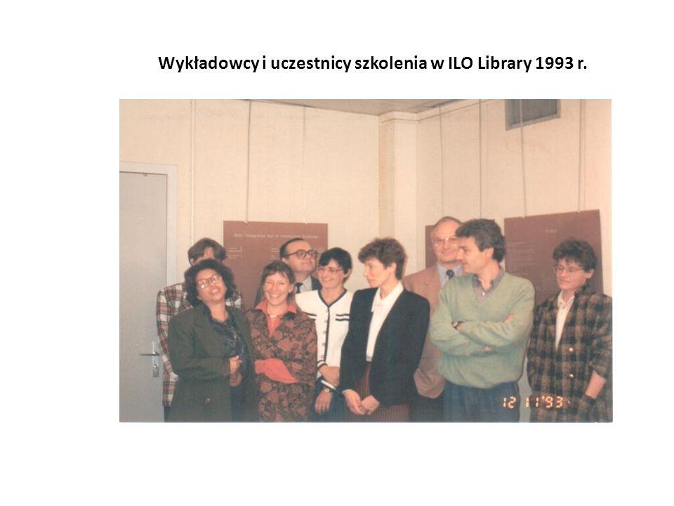 Wykładowcy i uczestnicy szkolenia w ILO Library 1993 r.