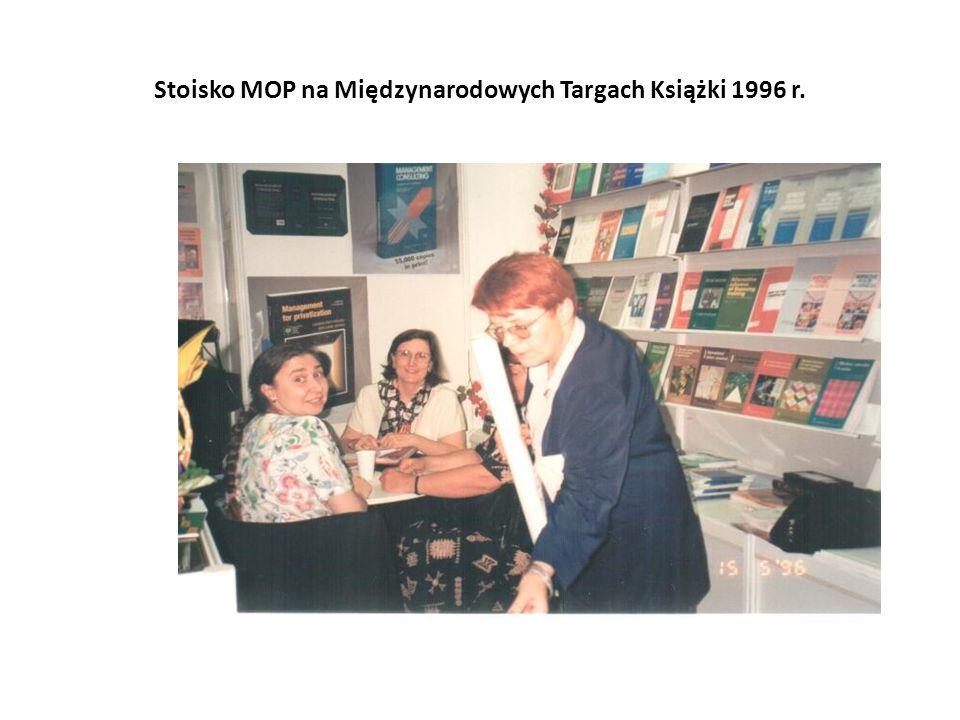 Stoisko MOP na Międzynarodowych Targach Książki 1996 r.