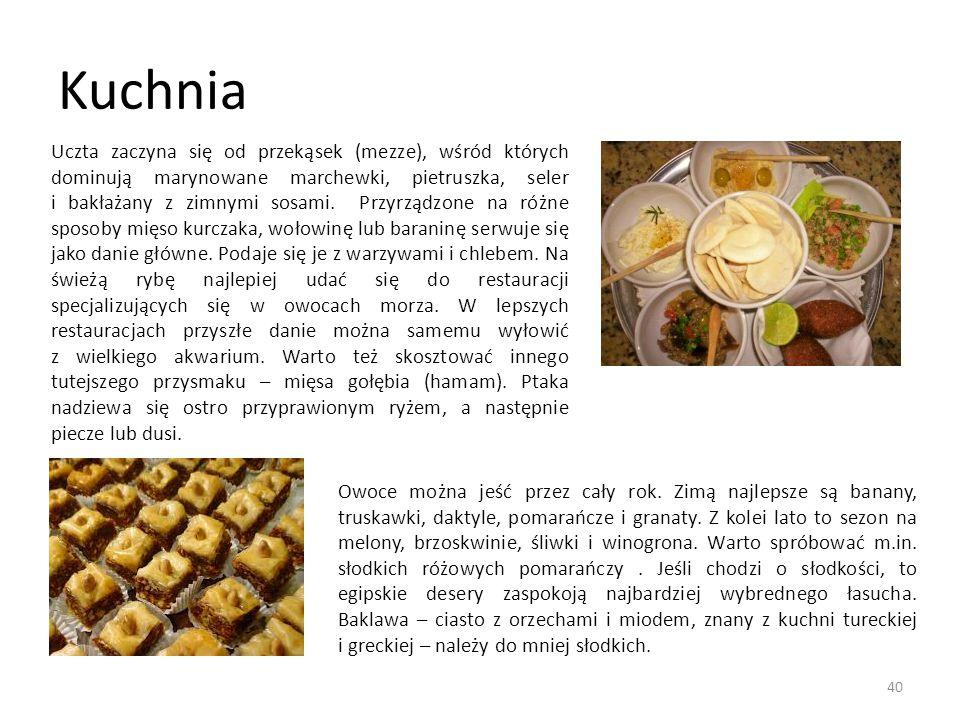 Kuchnia Uczta zaczyna się od przekąsek (mezze), wśród których dominują marynowane marchewki, pietruszka, seler i bakłażany z zimnymi sosami. Przyrządz