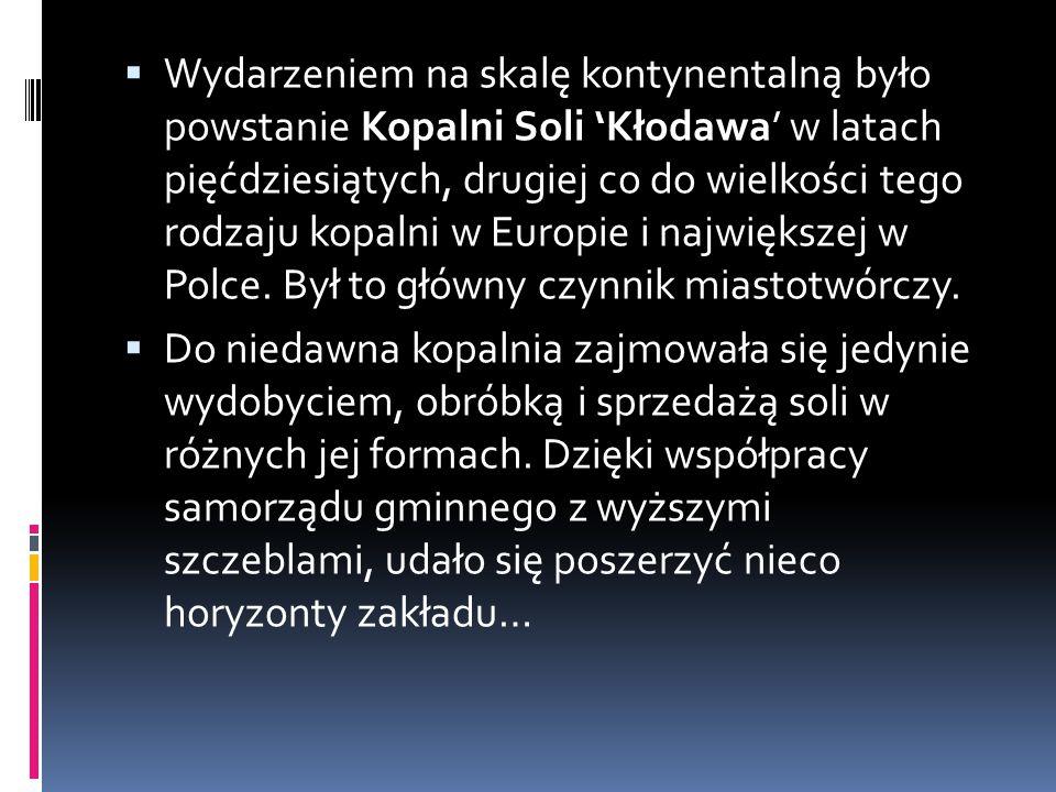 Działania Samorządu w Gminie Kłodawa w latach 1990 – 2010.  Większość znaczących dla gminy i jej okolic inwestycji Kłodawa uzyskała w latach 1950 – 1