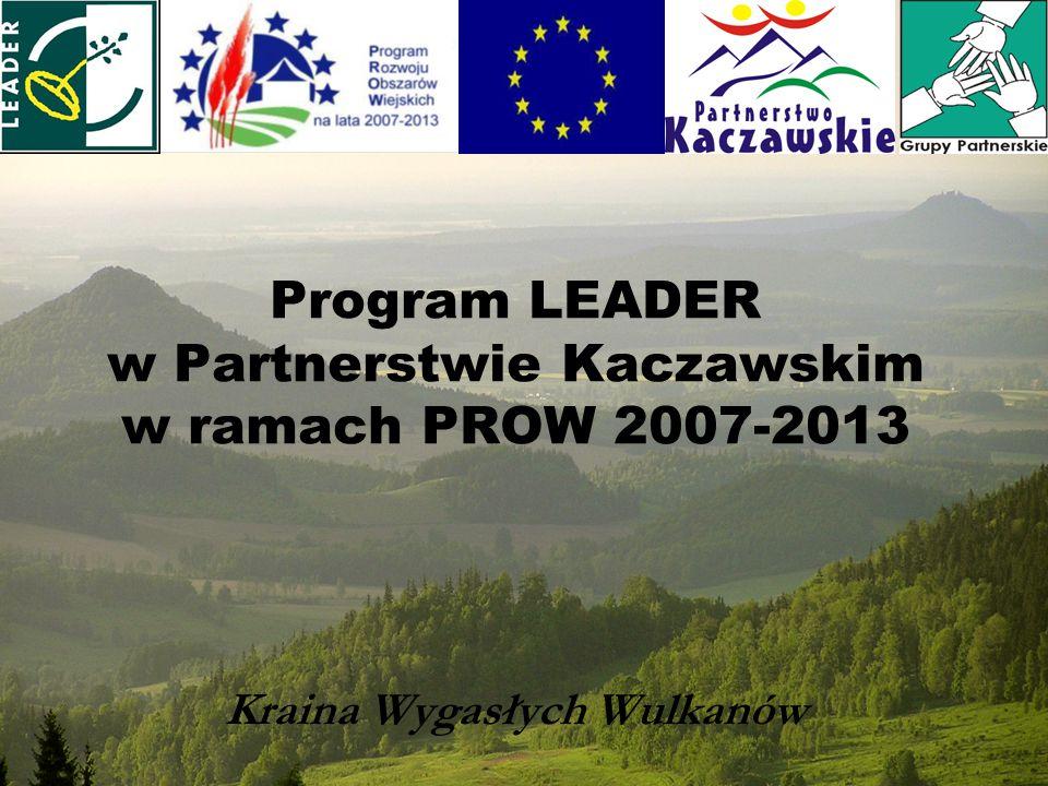 Program Rozwoju Obszarów Wiejskich 2007-2013 składa się z 4 osi: Oś 1 - Poprawa konkurencyjności sektora rolnego i leśnego, Oś 2 – Poprawa środowiska naturalnego na obszarach wiejskich, Oś 3 - Jakość życia na obszarach wiejskich i różnicowanie gospodarki wiejskiej Oś 4 - LEADER