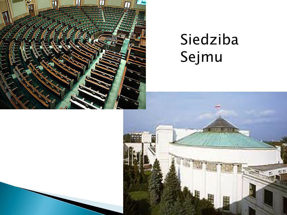 Sejm liczy 460 posłów wybieranych w wyborach: Powszechne – nie ma cenzusu - każdy ma prawo głosować Równe – każdy wyborca ma jeden głos i każdy jest jednakowo ważny Bezpośrednie – posła wybiera wyborca Proporcjonalne - partia otrzymuje mandaty proporcjonalnie do liczby uzyskanych głosów Tajne – karty wypełniamy za zasłonami i niepodpisane wrzucamy do urny