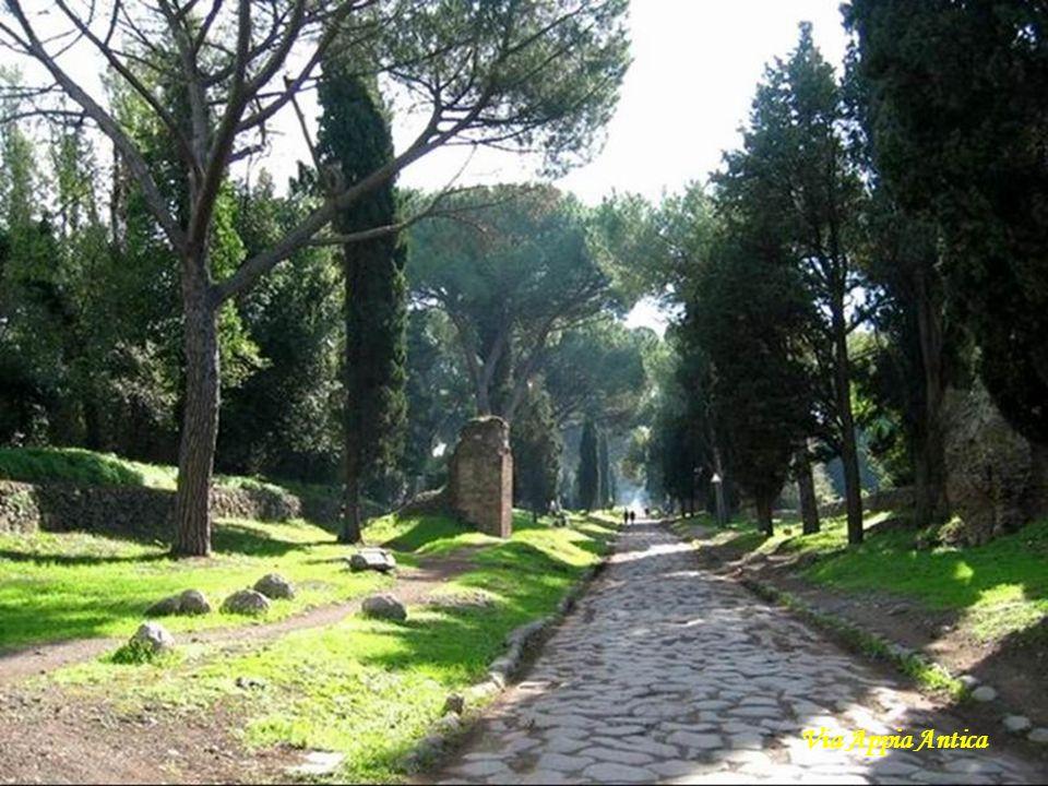 Mauzoleum Hadriana - grobowiec przeznaczony dla cesarza Hadriana, jego rodziny oraz następców.