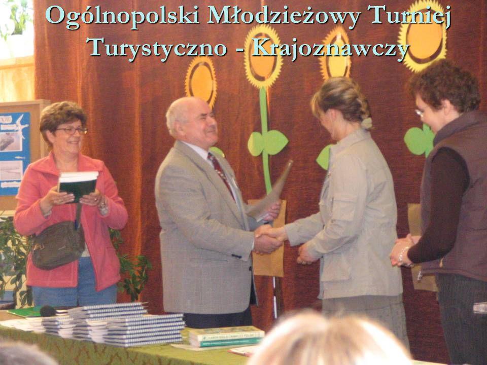 """W zabytkach Gdańska realizowaliśmy rajd """"X wieków pod skrzydłami Gryfa """"X wieków pod skrzydłami Gryfa – 2006 rok"""