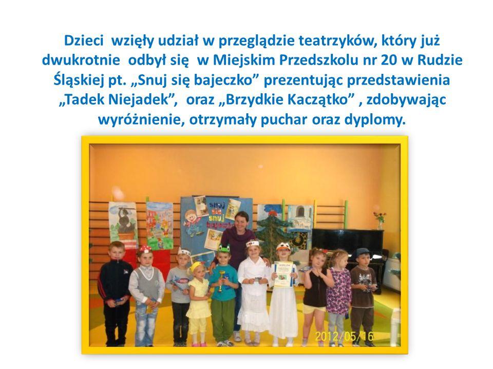 """Dzieci wzięły udział w przeglądzie teatrzyków, który już dwukrotnie odbył się w Miejskim Przedszkolu nr 20 w Rudzie Śląskiej pt. """"Snuj się bajeczko"""" p"""