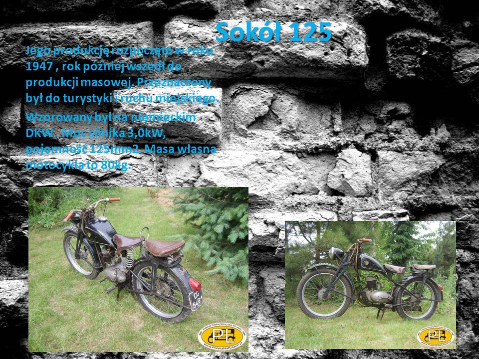 SHL M04 Jest to powojenny model motocyklu wzorowany na SHL 98 z okresu przedwojennego.