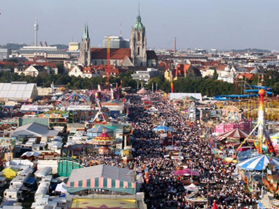 Ale Oktoberfest to nie tylko miliony litrów wypitego piwa i wyśmienite potrawy, to także zabawa w takt charakterystycznej bawarskiej muzyki – heimatmelodie.