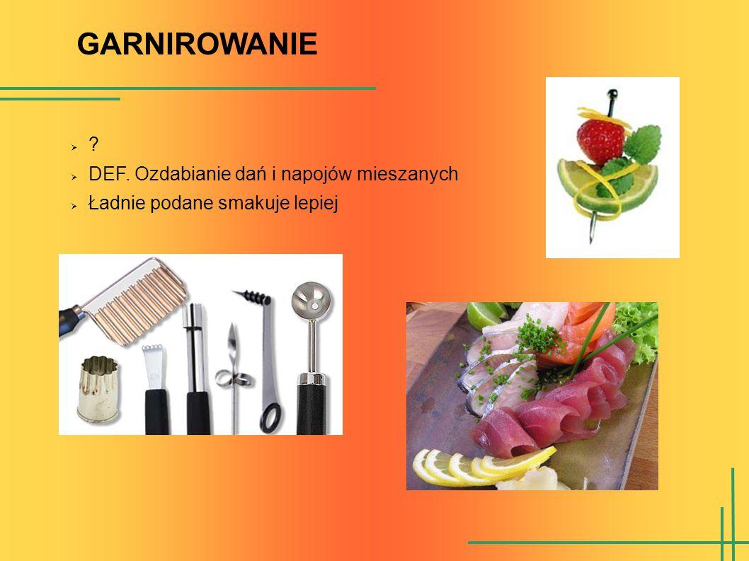 GARNIROWANIE: zadanie I Z obranej marchewki kroimy grubsze plastry (ok.