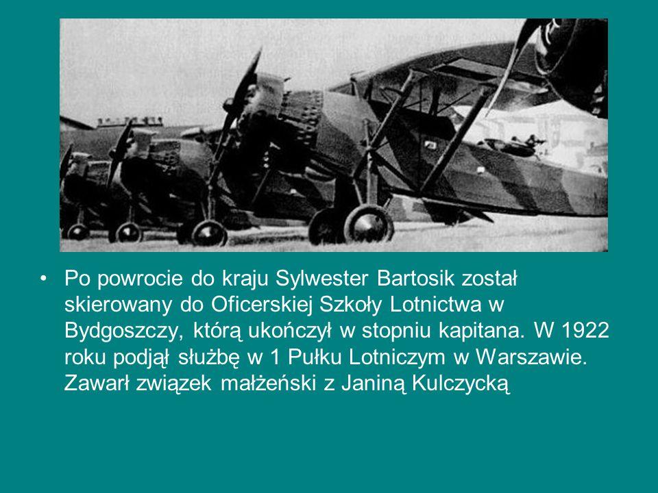 Po powrocie do kraju Sylwester Bartosik został skierowany do Oficerskiej Szkoły Lotnictwa w Bydgoszczy, którą ukończył w stopniu kapitana. W 1922 roku