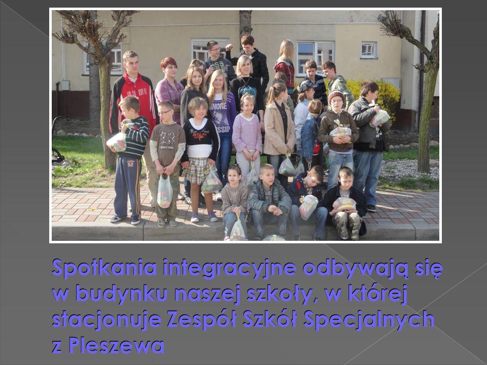 Spotkania integracyjne odbywają się w budynku naszej szkoły, w której stacjonuje Zespół Szkół Specjalnych z Pleszewa