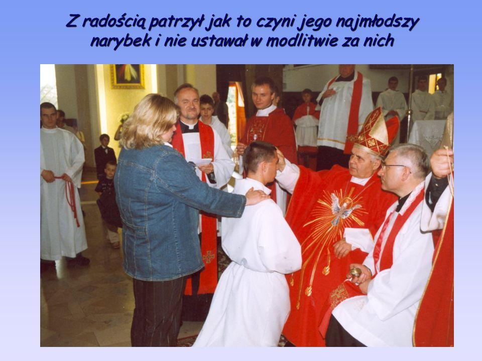 Z radością patrzył jak to czyni jego najmłodszy narybek i nie ustawał w modlitwie za nich