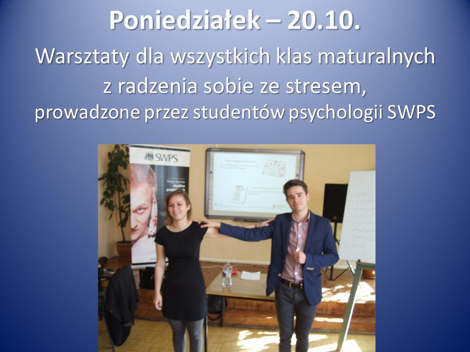 Pokaz iluzji karcianych Dawid Szymański kl. IIO4 z udziałem spontanicznej publiczności