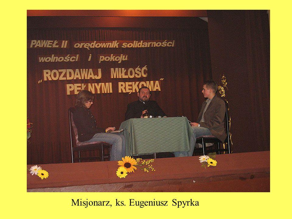 """Wystawa,,Suchedniów dawniej i dziś SMS zaaranżował w 2006 roku wystawę """"Suchedniów dawniej i dziś , która doczekała się już kilku edycji."""