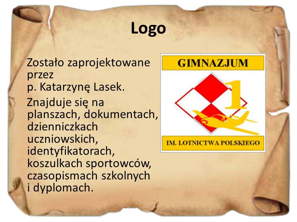 Logo Zostało zaprojektowane przez p. Katarzynę Lasek. Znajduje się na planszach, dokumentach, dzienniczkach uczniowskich, identyfikatorach, koszulkach