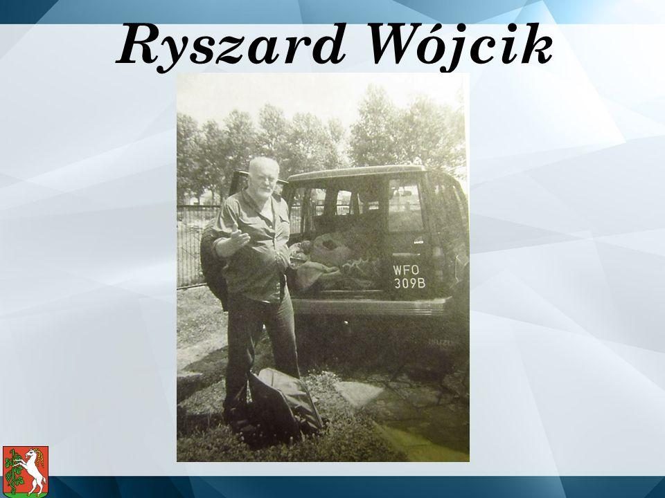 Urodził si ę w 1935 r.w Zemborzycach Podle ś ny w rodzinie chłopskiej.