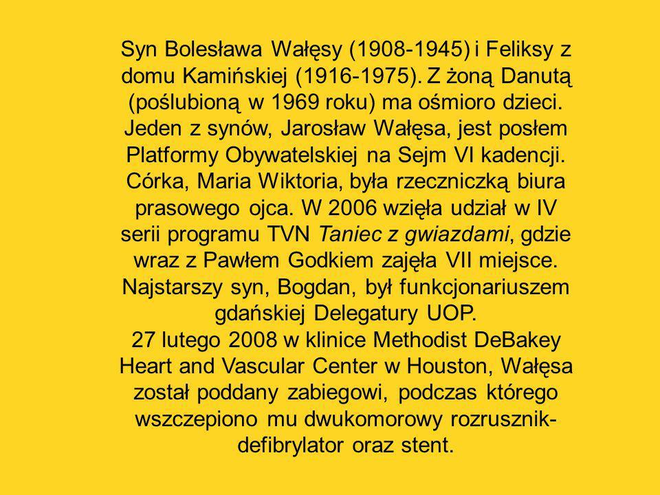 Syn Bolesława Wałęsy (1908-1945) i Feliksy z domu Kamińskiej (1916-1975). Z żoną Danutą (poślubioną w 1969 roku) ma ośmioro dzieci. Jeden z synów, Jar