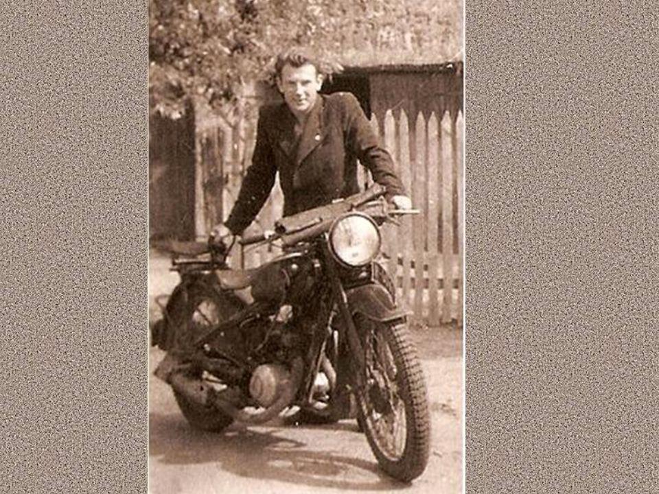 Jako 12 – letni chłopiec brał udział w obronie oblężonej Warszawy, a cztery lata później walczył jako żołnierz Narodowych Sił Zbrojnych Brygady Świętokrzyskiej.