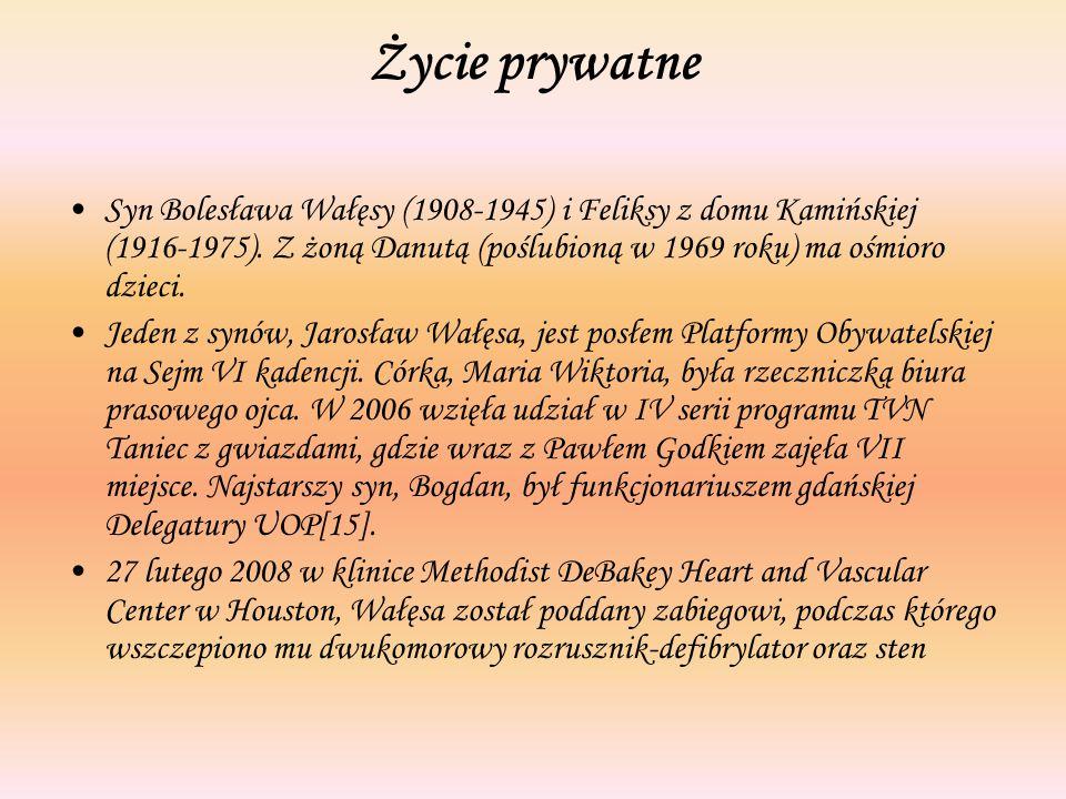 Życie prywatne Syn Bolesława Wałęsy (1908-1945) i Feliksy z domu Kamińskiej (1916-1975). Z żoną Danutą (poślubioną w 1969 roku) ma ośmioro dzieci. Jed